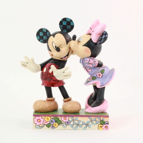 Mickey Minnie - A Kiss From Me To You Figurine