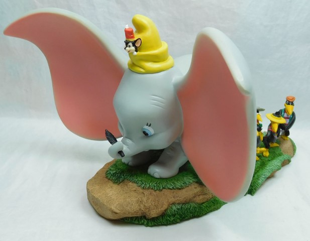 Dumbo Timothy and Crew  Take Flight  Disney Enchanting Collection